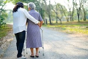 Tips for Avoiding Caregiver Burnout-min